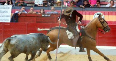 Jaén: cierre de rejones triunfan Ventura y Leonardo con los toros de Adolfo Martín